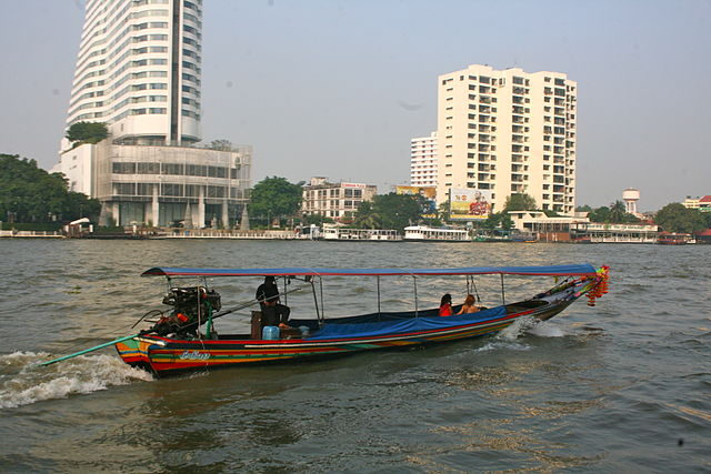 Longtail boat in Bangkok on the Chao Phraya Courtesy of Ian Gratton