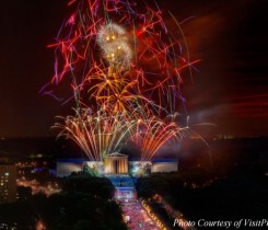 4th of July Fireworks over the Philadelphia Museum of Art.