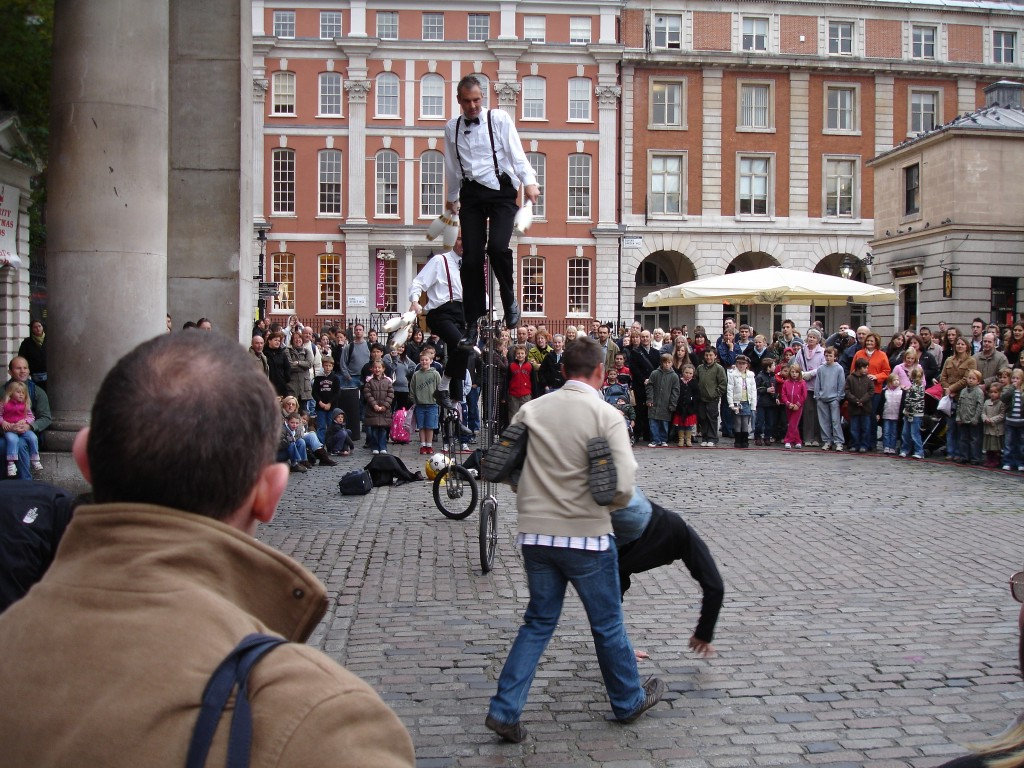 Street theatre and performing arts at Covent Gardens
